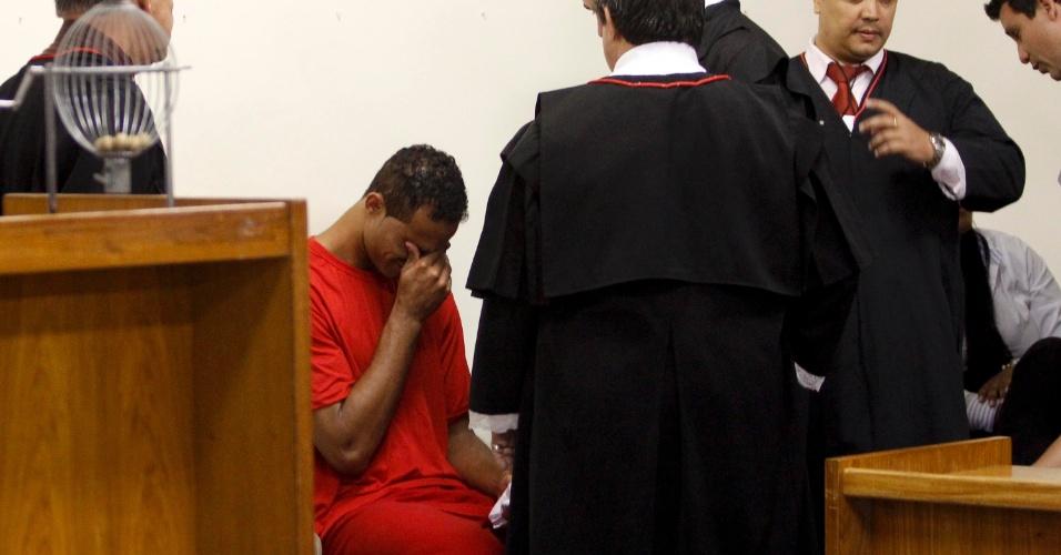 O ex-goleiro Bruno Fernandes de Souza chora durante